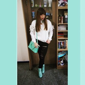 #blogupdate #outfit and #makeup post Feathered Wings http://www.pinkandundecided.blogspot.com/2015/05/feathered-wings.html #boots #jumper #rippedjegging #darklips #vampylips #ootd #clozetteid #clozetteidgirl #fashion #personalstyle #blogger #bblogger #indonesianblogger #surabayablogger #beautyblogger #fashionblogger #indonesianbeautyblogger #indonesianfashionblogger #surabayabeautyblogger #surabayafashionblogger #monochromatic #blackandwhite with a #dashofcolor